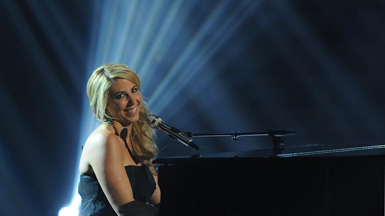 "Elise Testone performs ""One and Only"" by Adele on ""American Idol."""