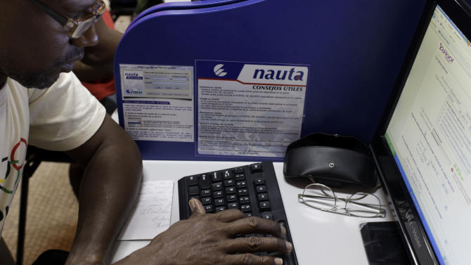 Cubans try out new public Internet centers