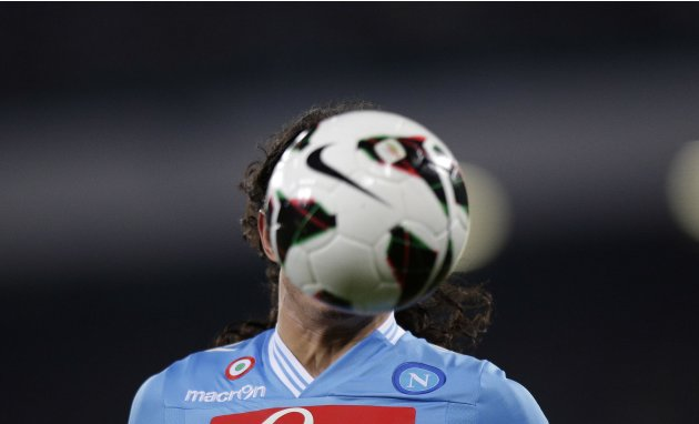Napoli's Edinson Cavani controls the ball during the Italian Serie A soccer match against Juventus at the San Paolo Stadium in Naples