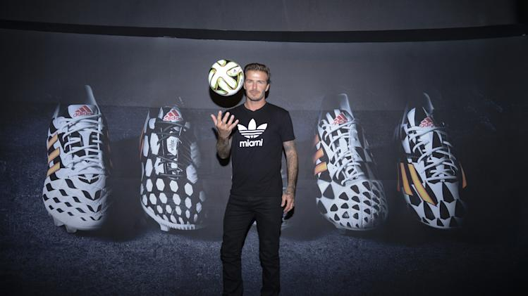 Posto adidas - YouTube Live TV Show and Press Conference with guest David Beckham