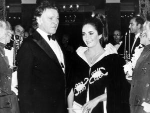 Elizabeth Taylor's most prized role: Mrs. Burton (AP)
