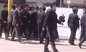 World's biggest Apple store coming to China, scuffles already started