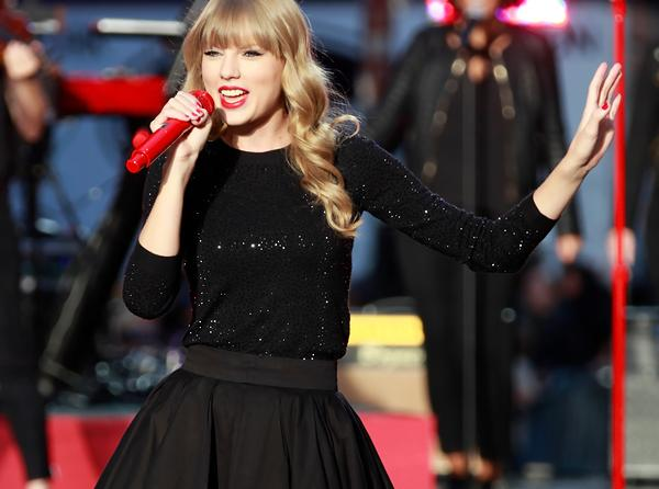 Taylor Swift's Label Shuns Streaming Services With 'Red'