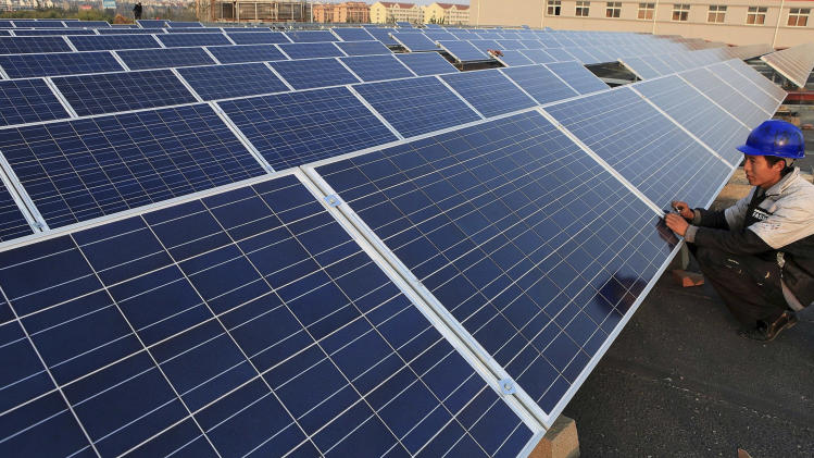 US trade panel finds harm from China solar panels