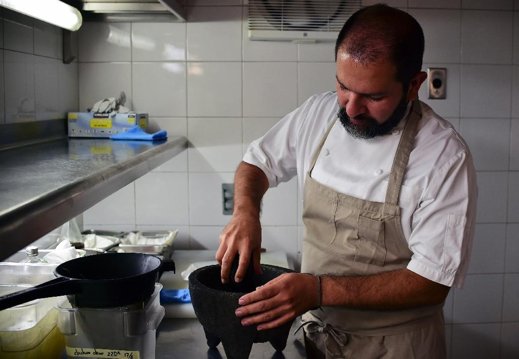 Top Mexican chefs take stand against GM corn