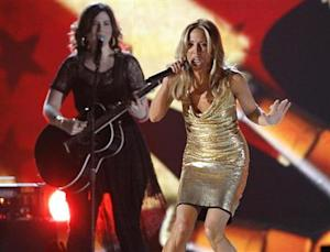 "Sheryl Crow performs ""Boys Round Here"" at the 48th ACM Awards in Las Vegas"
