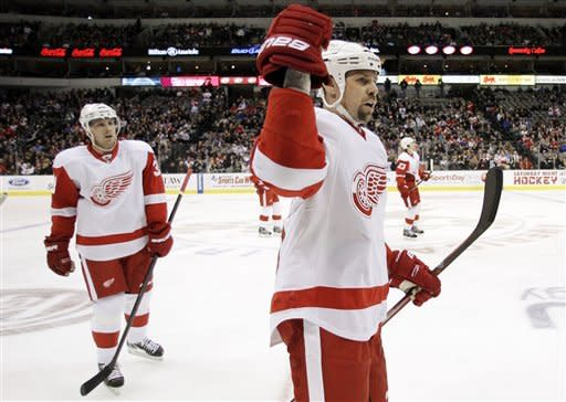 Hudler, Conklin lift Red Wings over Stars in SO