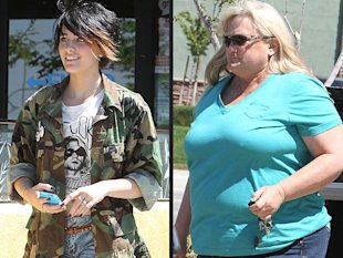 Paris Jackson y su madre biológica Debbie via People.com