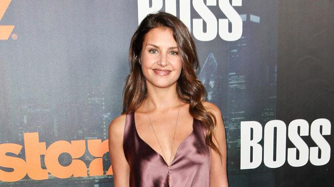 "Hannah Ware arrives at the premiere of Starz's ""Boss"" at ArcLight Cinemas on October 6, 2011 in Hollywood, California."