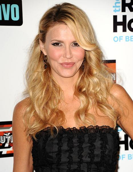 Brandi Glanville Donates Wedding Dress to Army Wife 2 Years After Eddie Cibrian Divorce