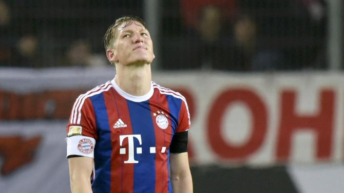 Bayern Munich's Schweinsteiger reacts after losing to VfL Wolfsburg in Bundesliga soccer match in Wolfsburg