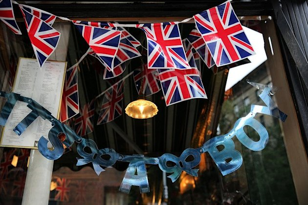 A sign in the window of British restaurant Tea and Sympathy in New York marking the royal baby's birth on July 22, 2013