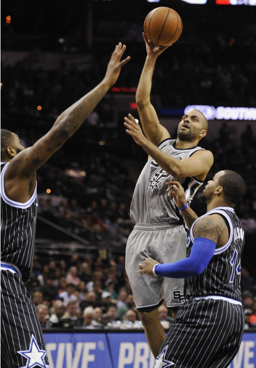 Spurs beat Magic 121-112, win 6th straight