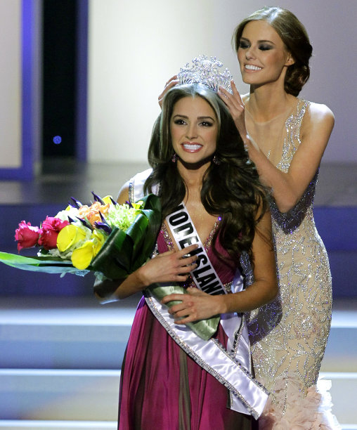 Miss Rhode Island Olivia Culpo is crowned Miss USA 2012 during the Miss USA pageant, Sunday, June 3, 2012, in Las Vegas. (AP Photo/Julie Jacobson)