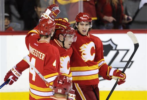 Richards has goal, assist in LA win over Flames