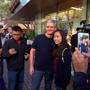 Line up for an iPhone 6, get a selfie with Tim Cook (video)