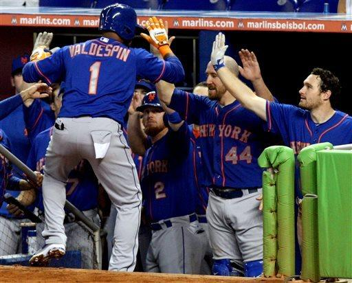Mets end 6-game losing streak, beat Marlins, 7-6