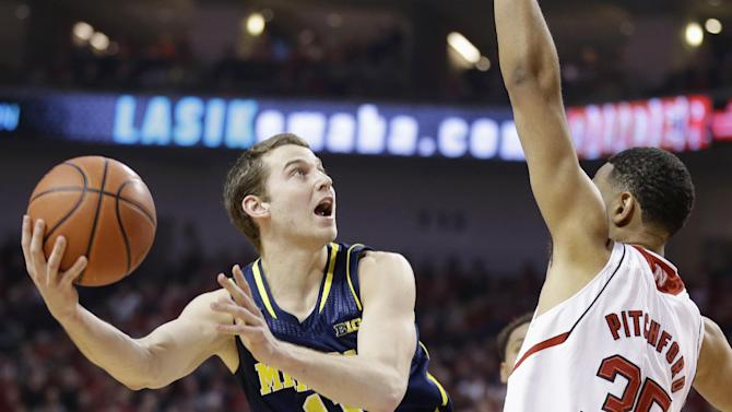 Stauskas handling more responsibility at Michigan