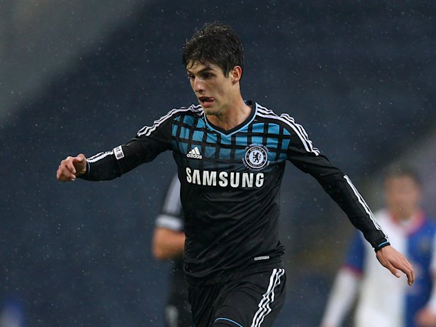 PSG cameo may not be enough for Piazon to avoid Chelsea scrapheap