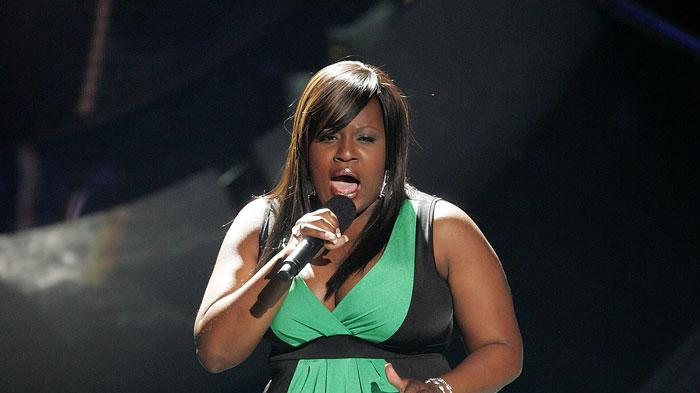 LaKisha Jones performs as one of the top 4 contestants on the 6th season of American Idol.