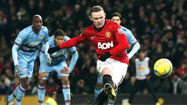 Wayne Rooney misses a penalty for Manchester United against West Ham United