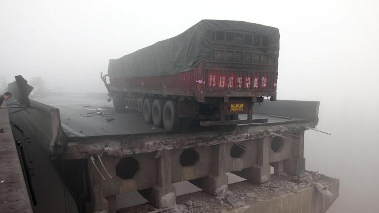 Fireworks cause deadly highway collapse in China