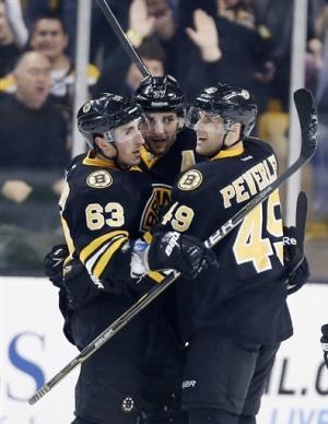 Bruins rally for 3-2 win over Lightning