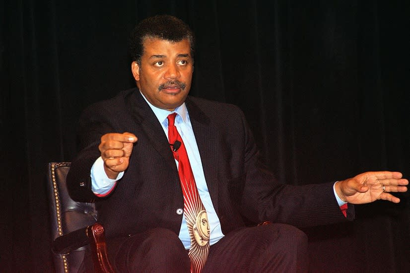 Neil Degrasse Tyson Responds To Christmas Twitter Controversy