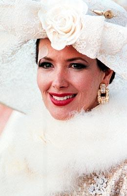 Janine Turner as Dorothy in Artisan's Dr. T And The Women