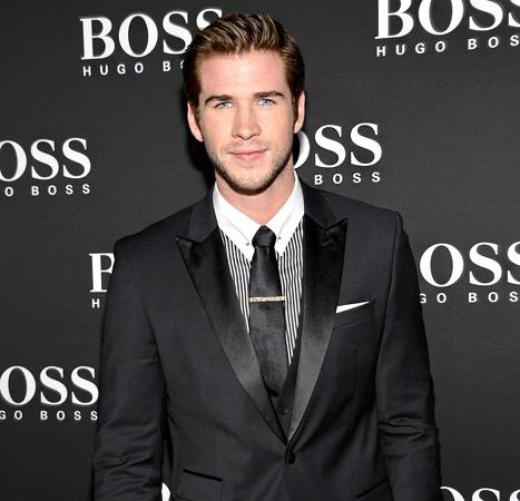 Liam Hemsworth Looks Handsome on First Red Carpet After Miley Cyrus Split