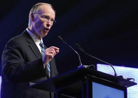 Alabama Governor Robert Bentley speaks during a news conference in Mobile, Alabama