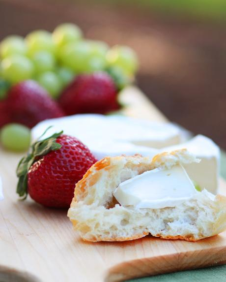 Baguette with Brie and Strawberries