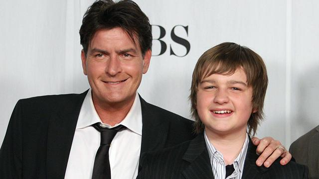 Charlie Sheen Stands Up for 'Men' Star
