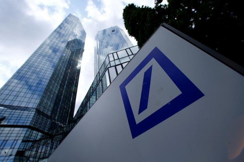 Worries over German banks sink bond issue, rattle shares
