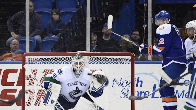 Lack lifts Canucks to 4-0 shutout of Islanders