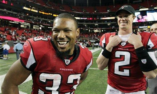 Falcons beat Bucs, 45-24, clinch NFC's No. 5 seed