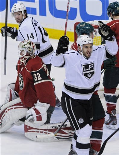 Kings' Bernier shuts out Wild, 4-0