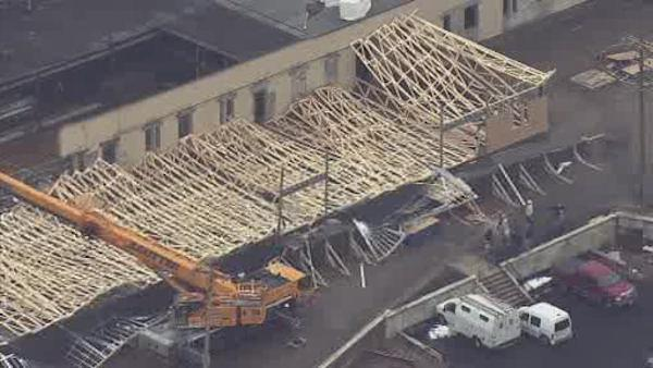 4 workers injured in Hunting Park building collapse (PHOTOS)
