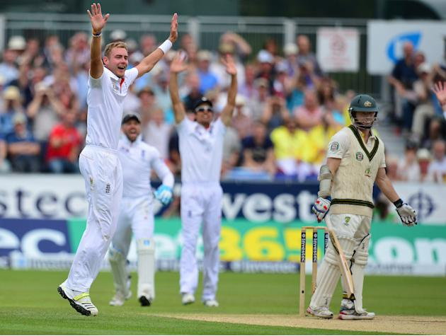 Cricket - Fourth Investec Ashes Test - Day Two - England v Australia - Emirates Durham ICG