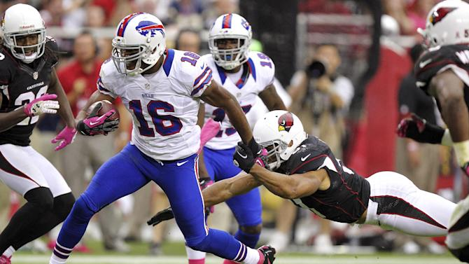 Buffalo Bills wide receiver Brad Smith (16) escapes the reach of Arizona Cardinals inside linebacker Paris Lenon during the second half of an NFL football game, Sunday, Oct. 14, 2012, in Glendale, Ariz. (AP Photo/Paul Connors)