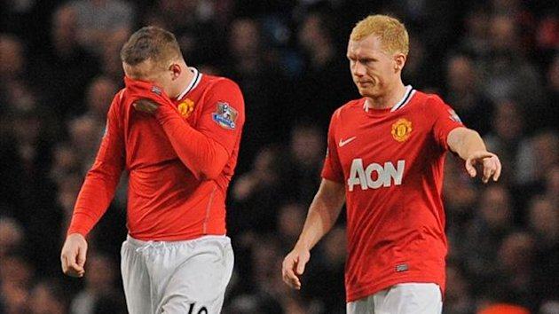 Manchester United's Wayne Rooney and Paul Scholes (AFP)