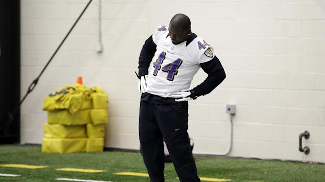 Baltimore Ravens fullback Vonta Leach stretches during NFL football practice at the team's training facility in Owings Mills, Md., Thursday, Jan. 24, 2013. The Ravens are scheduled to face the San Francisco 49ers in Super Bowl XLVII in New Orleans on Sunday, Feb. 3. (AP Photo/Patrick Semansky)