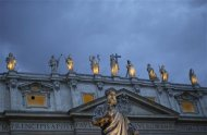 The statue of Saint Peter is seen in Saint Peter's Square at the Vatican March 11, 2013. REUTERS/Max Rossi