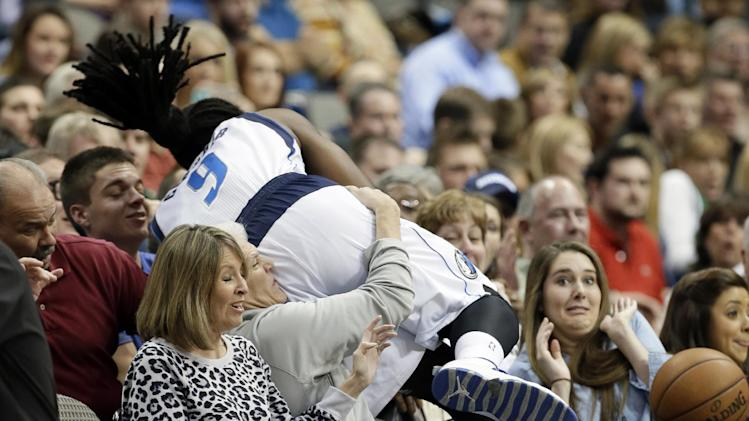 Nowitzki leads Mavs past depleted Grizzlies 105-88