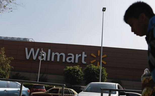 Walmart Gives in to Meeting with Biden on Gun Proposals
