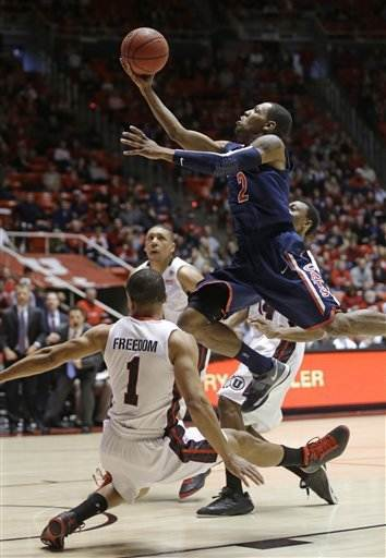 Mark Lyons helps No. 9 Arizona edge Utah 68-64