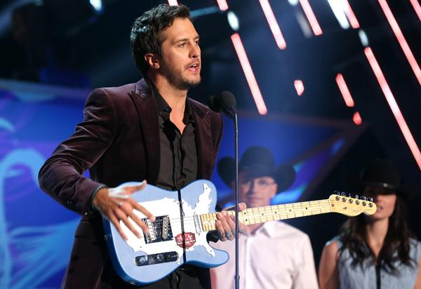 Luke Bryan Wins Nine American Country Awards