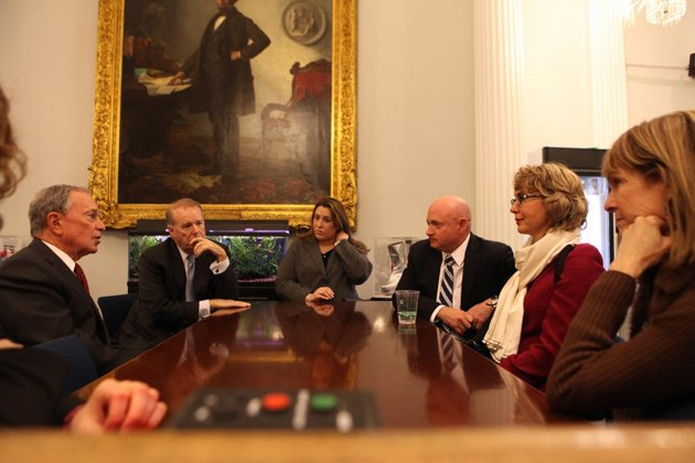 bloomberg meets with gabrielle giffords on gun control the echoing nyc mayor mike bloombergs wise words on gun control yes control 630x420