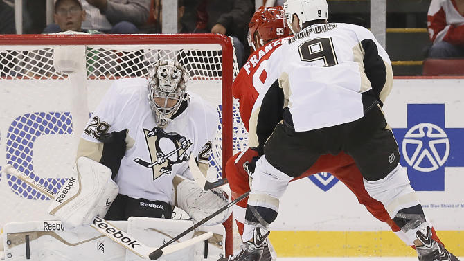 Crosby makes preseason debut, Pens blank Wings 2-0