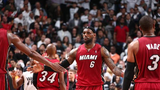 LeBron scores 49, Heat take 3-1 lead over Nets